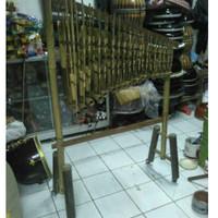 Jual Alat Musik Angklung 3 Tabung Bambu Hitam Isi 18 Nada Nyaring Bagus Murah