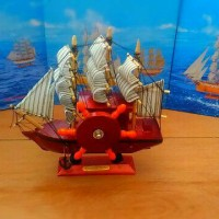 Jual kotak musik kapal kayu coklat tua yang unik Murah