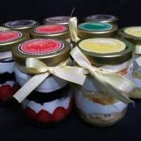 Jual Cake in jar. Home Made. Always Fresh. Made by Order. Murah