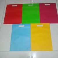 tas spunbond oval 30x40 souvenir goodie bag seminar kain belanja goody