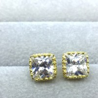 Anting Stud Lapis Emas Kuning Batu Berlian Kotak Putih 7mm - BE041-7