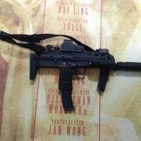 1/6 Hot Toys Babydoll MP7 Riffle
