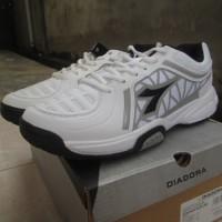 Sepatu Tennis Diadora Advantage White Mens Original Murah