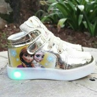 sepatu anak nyala /sepatu boots anak perempuan led