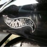 emblem hotwheel / chrome hotwhel / hotwheel diecast