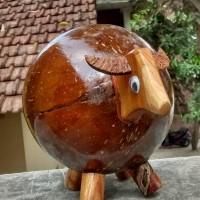 celengan batok kelapa Motif Sapi