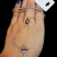 Kalung Rosario warna silver charm foto Yesus