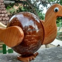 celengan tempurung kelapa motif bebek