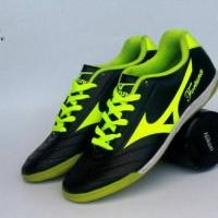 FREE BONUS!!! sepatu olahraga putsal Mizuno Fortuna murah terlaris.