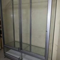 etalase lemari pakaian alumunium24
