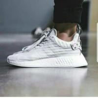 9d4552c9d Sneakers Sepatu Cowo Sepatu Pria Adidas NMD R2 Tiger Camo