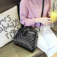 BTH1020 Tas Fashion Import Wanita Hitam