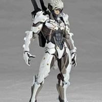 Revoltech Metal Gear Rising: Revengeance - Raiden (White Armor ver.)