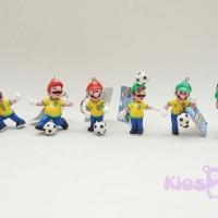 gantungan kunci mario bros dan luigi sepakbola kostum brazil