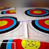 Peralatan memanah. Gambar Target panahan. Kualitas terbaik