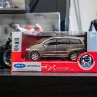 Diecast Toyota Kijang Innova brown by Welly ORIGINAL 1/36