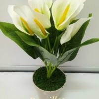 bunga anthurium putih artificial / dekorasi / bunga palsu dan pot