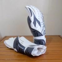 Goalkeeper Glove / Sarung Tangan Kiper Sells & Diadora