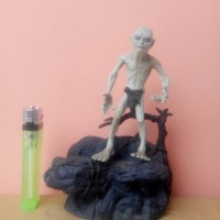 LORD OF THE RINGS GOLLUM ACTION FIGURE