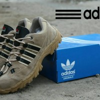 Sepatu Kasual Boots Pria Cowo Murah Adidas Safety Boots Low Craem