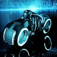 Hot Toys Tron Legacy Sam Flynn With Light Cycle
