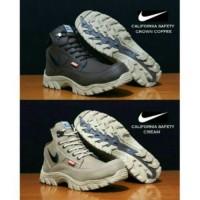 harga Sepatu Boots Pria Safety Nike California Original Tracking Hiking Tokopedia.com