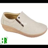 Jual sepatu boots wanita casual wedges slip on gaya fashion low boot cewek Murah