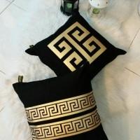 Sarung Bantal Kursi Luxury Edition // Greek Key Gold