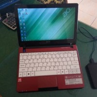 Laptop Notebook Acer Aspire One 722 Second Mulus Seperti Baru