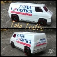 LM skala 64 super van custom pandu logistics by hot wheels