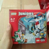 Lego junior 10720 police helicopter chase