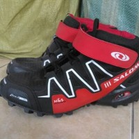 Sepatu outdoor SALOMON speedcross 3 mid red