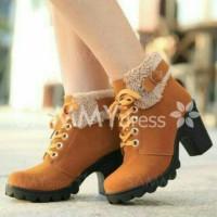 Sepatu Boots Enia