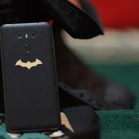 Skin Handphone LG G6 Black Leather Batman Injustice