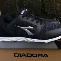 Sepatu DIADORA Liberta IX Black (ORIGINAL)