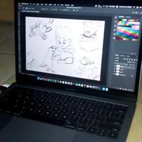 Macbook pro 2017 ssd 128gb ram 8gb space grey garansi resmi infinite