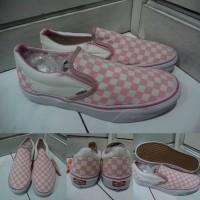Sepatu Kets Sneakers Vans Slip On Checkerboard Catur Canvas Pink White