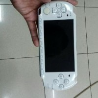 psp slim 3000 white refurbished 8gb full game Murah
