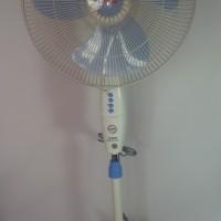 Cosmos 16SKM Standing Fan Kipas Angin (GO SEND )