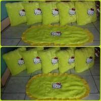 Set bantal sofa bulu karakter hello kitty