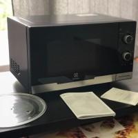 Microwave Electrolux seri EMM2308X Baru Murah