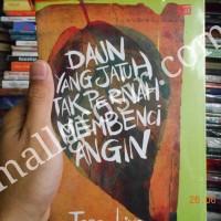 Novel Daun Yang Jatuh Tak Pernah Membenci Angin Kehidupan Percintaan