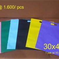 Goodie bag / tas spunbond oval 30 x 40