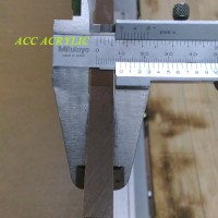 akrilik lembaran/acrylic 10 mm Bening A4 ( 210mm x 300mm )