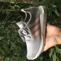 71222da5c1f Jual Adidas Swift di Kota Samarinda - Harga Terbaru 2019 | Tokopedia