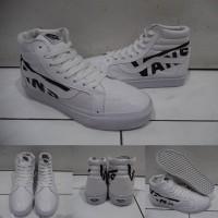 Sepatu Kets Sneakers Vans SK8High Leather Kulit Vans Logo White Black