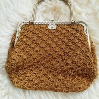 Tas Rajut Handmade Untuk Pesta Gagang/Handle Emas not Dowa Denina