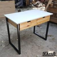 Meja kerja Bahan Kayu Pinus dan Multiplek