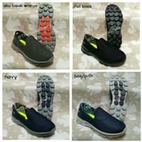 Sepatu Skechers Men Salur