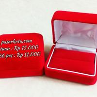 Kotak / Box tempat Cincin Bentuk Kotak Polos bisa isi 1 atau 2 cincin